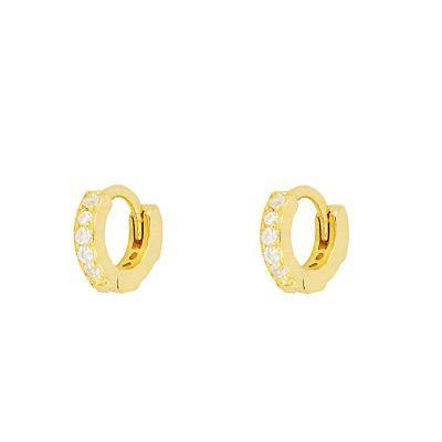 aros pequeños de oro con piedras