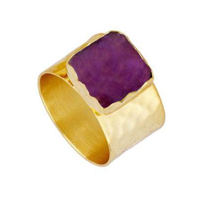 anillo ancho de oro con amatista
